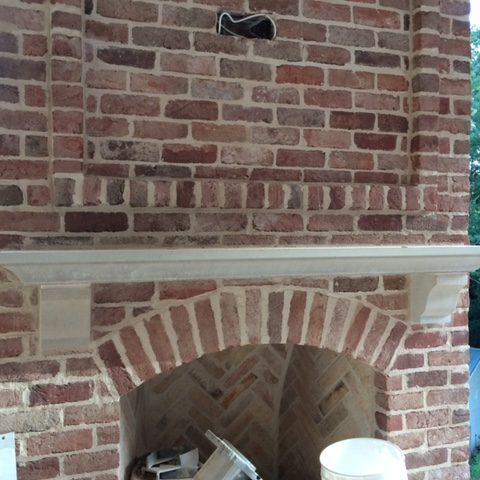 Mantel shelf with 8 inch corbel